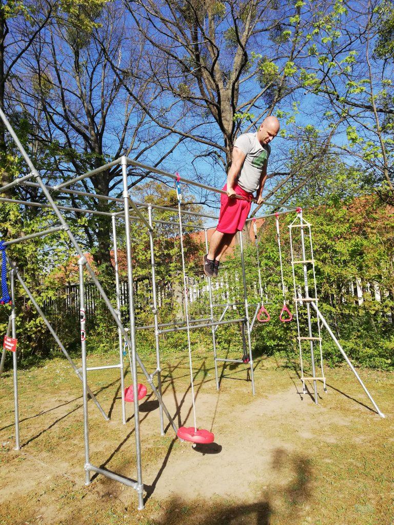 Sport-mit-Kee-Klamp-Cali-Cube-Ralph-baut-sein-Fitnessgerät-selbst (21)
