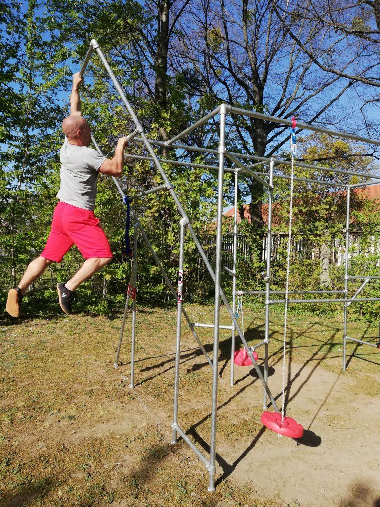 Sport-mit-Kee-Klamp-Cali-Cube-Ralph-baut-sein-Fitnessgerät-selbst (18))